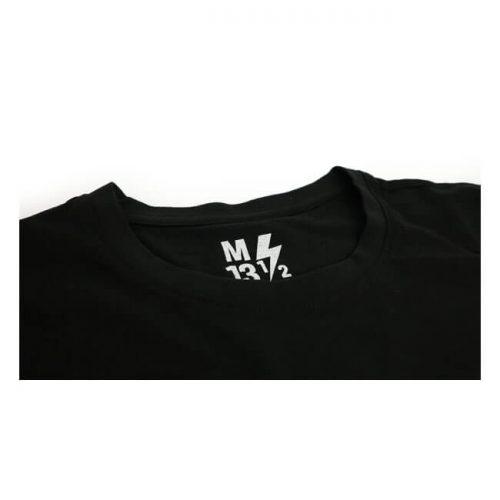 """Camiseta de la marca 13 And a Half Magazine fabricada en algodón con diseño """"It's a Chopper baby"""" y etiqueta impresa para evitar la irritación"""