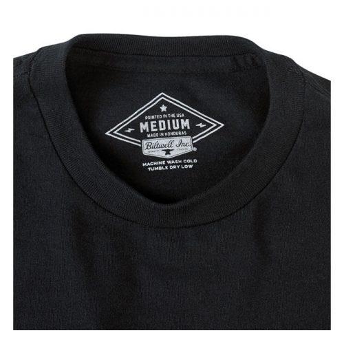Camiseta de la marca biltwell en color negra con estampado smiles per gallon
