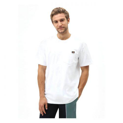 Camiseta de la marca Dickies fabricada en algodón 100x100 con bolsillo delantero y etiqueta tipo clip con logo de la marca